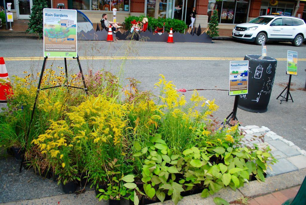 Departments, groups create downtown pop-ups for PARK(ing) Day