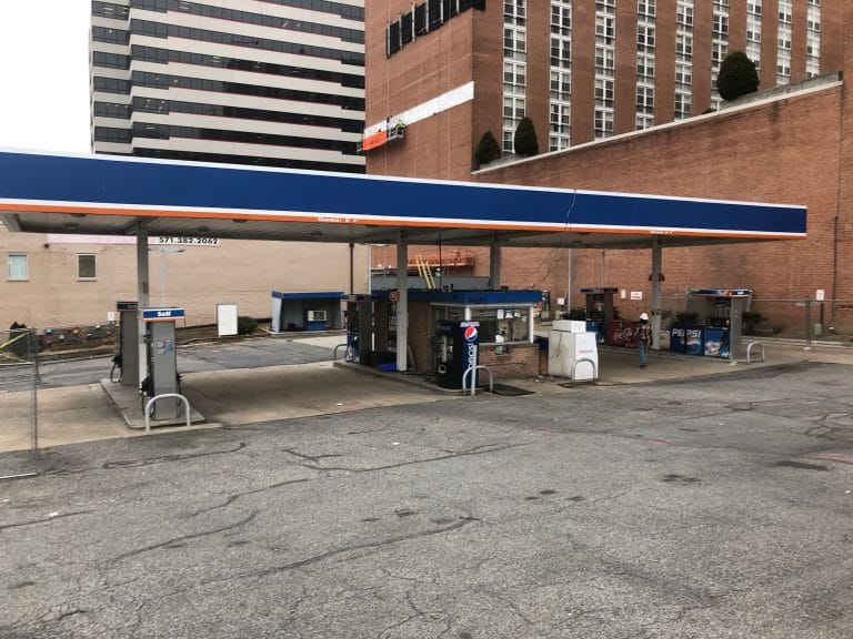 Gas station closes to prepare for hotel construction